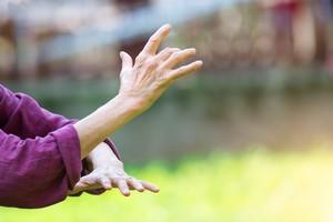 Joga i tai chi lekiem na stres i ból [© michelangeloop - Fotolia.com]