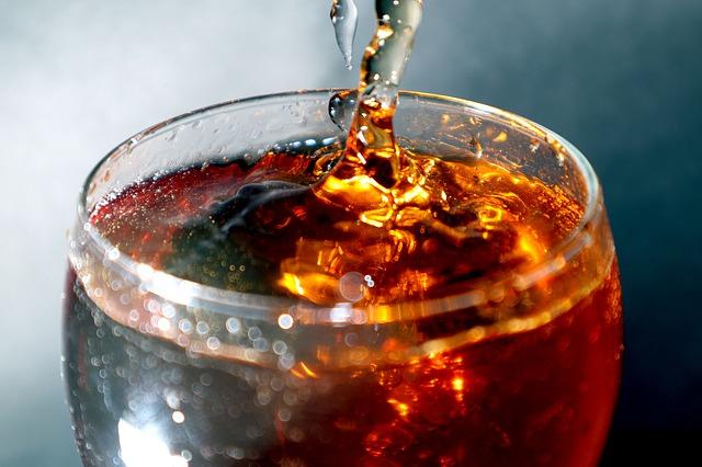 Już jeden słodki napój dziennie zwiększa ryzyko chorób serca u kobiet [fot. Francisco Corado from Pixabay]