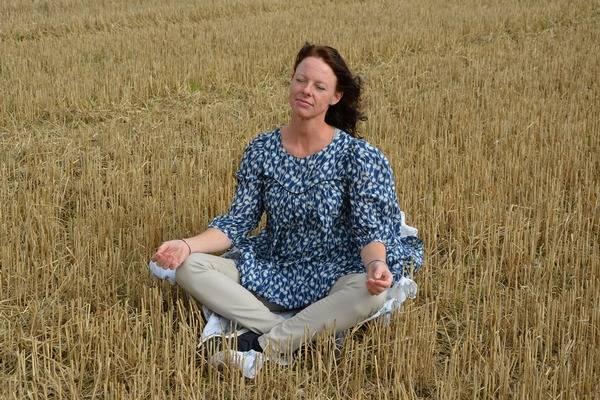 Już krótka medytacja pomaga pokonać ból i lepiej zarządzać emocjami [fot. zachosine from Pixabay]