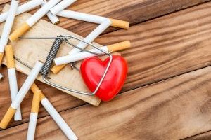 Kardiolodzy alarmują: palenie niszczy serce [Fot. igorkol_ter - Fotolia.com]