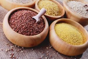 Kasze: zdrowy składnik codziennej diety  [Fot. matka_Wariatka - Fotolia.com]