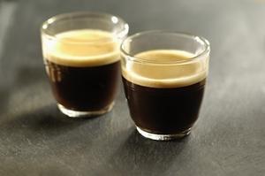 Kawa chroni przed rakiem wątroby ludzi nadużywających alkohol  [© FOOD-micro - Fotolia.com]
