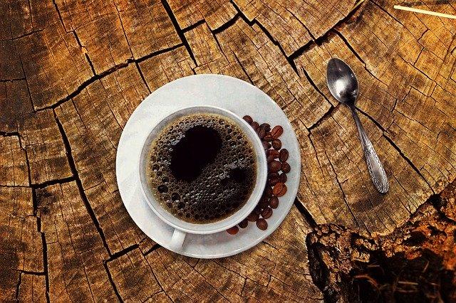 Kawa zmniejsza tkankę tłuszczową u kobiet [fot. Anja🤗#helpinghands #solidarity#stays healthy🙏 from Pixabay]