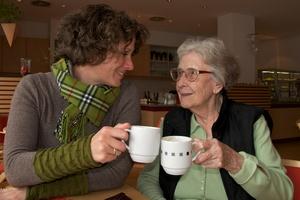 Kiedy zamieszka z nami senior - porady psychologa [© Peter Maszlen - Fotolia.com]