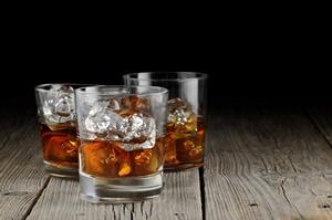 Kilka drinków dziennie to wyższe ryzyko udaru [© Stefano Tiraboschi - Fotolia.com]
