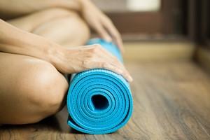 Kilkanaście minut jogi dziennie zwalcza stres [© tatomm - Fotolia.com]