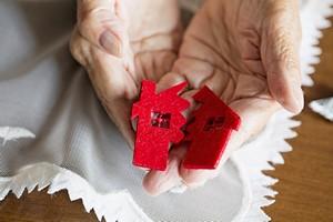 Klęska żywiołowa: opuszczenie własnego domu sprzyja demencji [Klęski żywiołowe, © aytuncoylum - Fotolia.com]