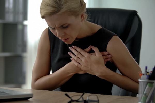 Kobiecy zawał serca [Fot. motortion - Fotolia.com]
