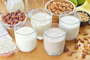 Kokosowe, migdałowe, sojowe. Mleko dla smakoszy [© geografika - Fotolia.com]