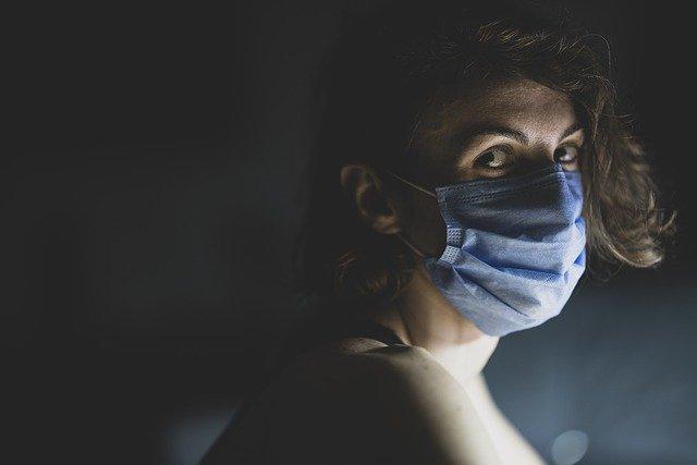 Koronawirus: Covid-19 może zwiększyć ryzyko zakrzepów u kobiet zażywających estrogen [fot. Engin Akyurt from Pixabay]