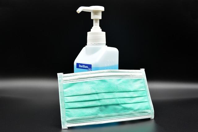Koronawirus: korzystasz z publicznej toalety? Noś maskę. [fot. Klaus Hausmann from Pixabay]