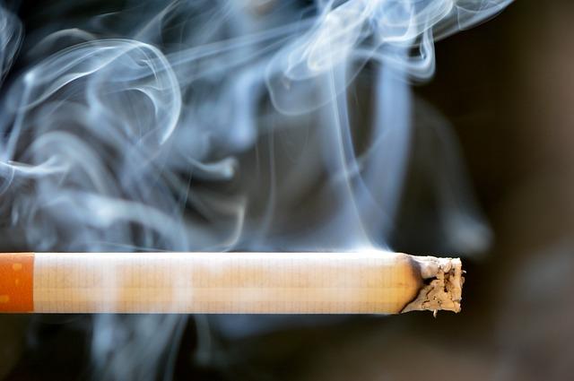 Koronawirus: papierosy zwiększają ryzyko wystąpienia i nasilenia objawów COVID-19 [fot. Pixabay]