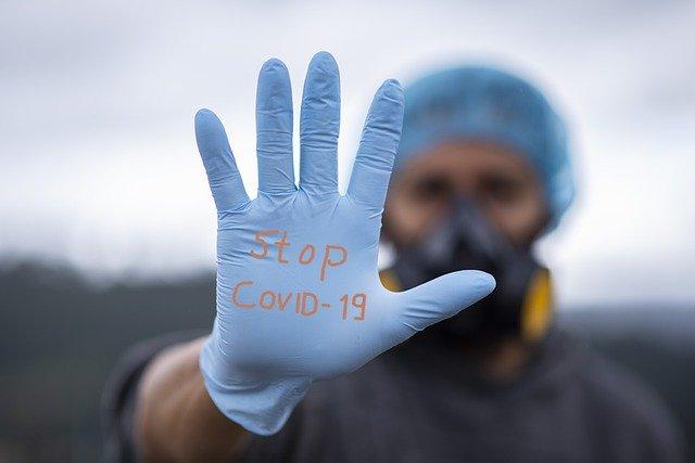 Koronawirus: sezonowe przeziębienie pomocne w walce z Covid-19? [fot. fernando zhiminaicela from Pixabay]