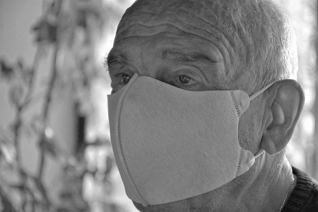 Koronwirus: depresja u starszych a Covid 19 [fot. RitaE from Pixabay]