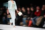 Kreacje dla dojrzałych kobiet - nowy trend w świecie mody [© Pavel Losevsky - Fotolia.com]