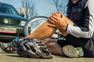 Krótki poradnik ratunkowy: jak pomóc będąc świadkiem wypadku [© arborpulchra - Fotolia.com]