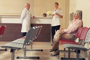 """Krótsze czekanie na wizytę i lepsze leczenie nowotworów? Sejm przyjął tzw. """"pakiet kolejkowy"""" [© jovannig - Fotolia.com]"""