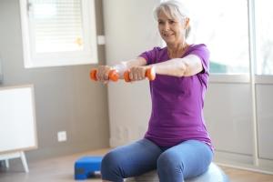 Łagodne zaburzenia poznawcze - leczeniem aktywność fizyczna [Fot. goodluz - Fotolia.com]