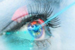 Laser zamiast okularów [fot. Nowy Wzrok]