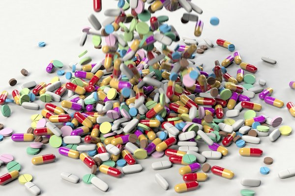 Leki, które mogą wywoływać zaparcia [fot. Arek Socha z Pixabay]