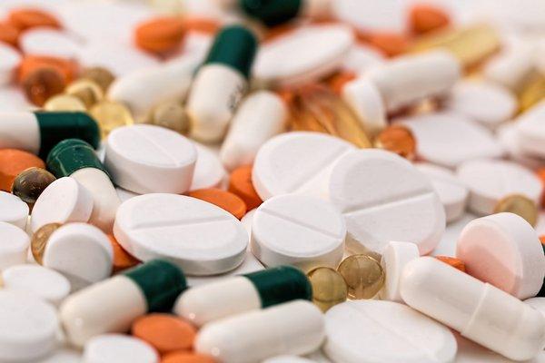 Leki przeciwbólowe pomagają uchronić płuca przed zanieczyszczeniami [fot. Steve Buissinne z Pixabay]