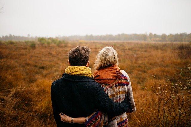 Lepsza komunikacja poprawi relacje w małżeństwie? Nie zawsze [fot. StockSnap from Pixabay]