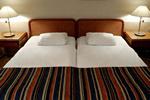 Łóżka hotelowe - seniorzy stawiają na wygodę i twardsze materace [© Mikael Damkier - Fotolia.com]