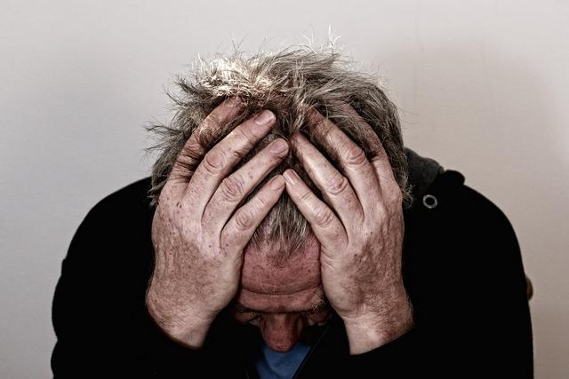 Ludzie samotni silniej odczuwają ból? [fot. Gerd Altmann from Pixabay]