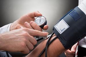 Łuszczyca zwiększa problemy z kontrolą ciśnienia tętniczego [©  Andrey Popov - Fotolia.com]