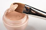 Makijaż anti-aging - jakich składników potrzebuje cera dojrzała [© timsulov - Fotolia.com]