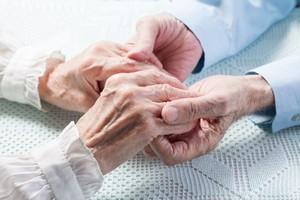 Małżonkowie przeżyli wspólnie 67 lat, zmarli w odstępie dwóch godzin [© rustle_69 - Fotolia.com]