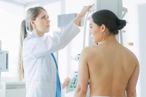 Mammodiagnostyka: nowa metoda wykrywania raka piersi [Fot. Gorodenkoff - Fotolia.com]