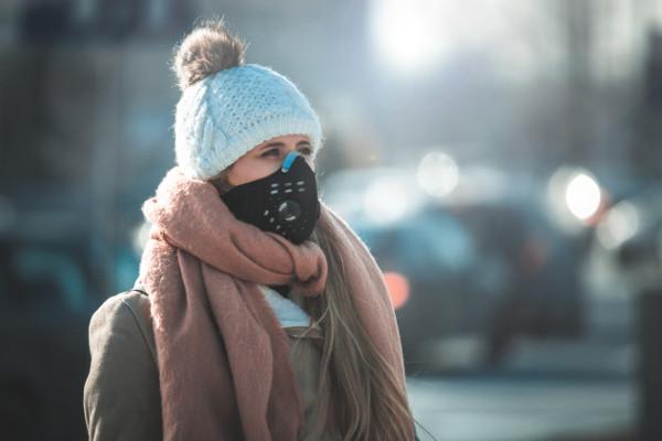 Maski antysmogowe nie chronią przed smogiem [Fot. leszekglasner - Fotolia.com]