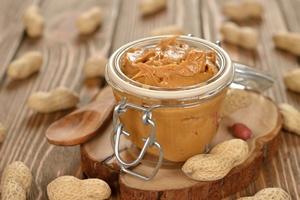 Masło orzechowe: źródło dobrych kwasów tłuszczowych [© olyina - Fotolia.com]