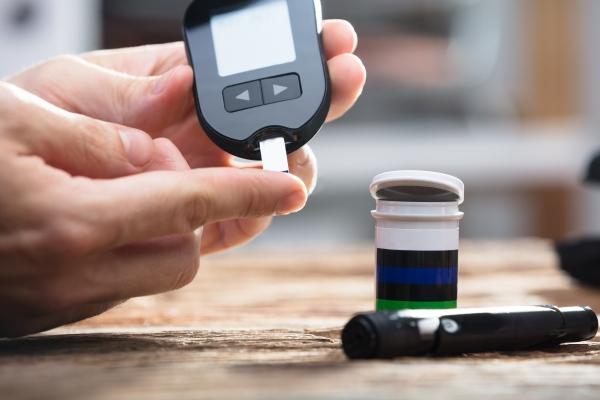 Masz bliskiego z cukrzycą? Sprawdź czy umiesz mu pomóc [Fot. Andrey Popov - Fotolia.com]