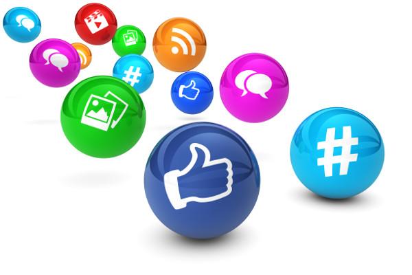 Media społecznościowe - ogranicz ich użytkowanie, a zwiększysz swoje poczucie szczęścia [Fot. niroworld - Fotolia.com]