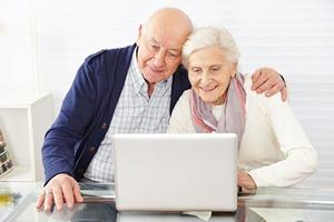 Media spo�eczno�ciowe poprawiaj� zdrowie senior�w [© Robert Kneschke - Fotolia.com]