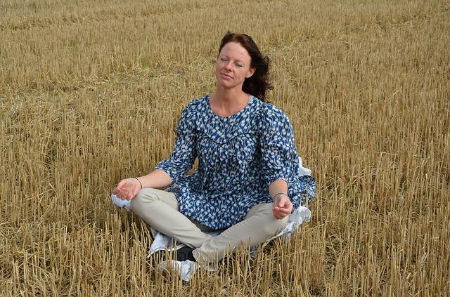 Medytacja i dobrostan duchowy powstrzymują zaburzenia poznawcze związane z wiekiem [fot. zachosine from Pixabay]