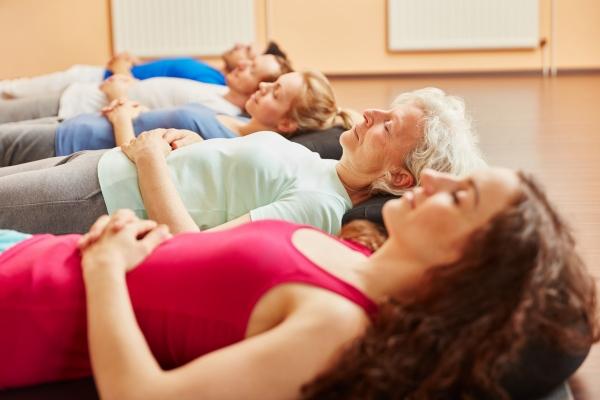Medytacja pomaga uchronić się przed przeziębieniem? [Fot. Robert Kneschke - Fotolia.com]