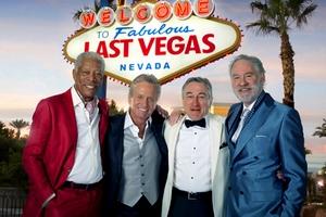 Michael Douglas i Robert De Niro imprezują w Las(t) Vegas  [fot. Last Vegas]