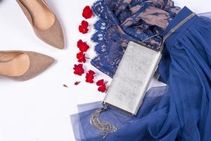 Moda dla dojrzałych. Zacznij od... porządków w szafie [© Lyudmyla V - Fotolia.com]