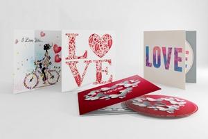 Muzyczne pocztówki z piosenkami Whitney Houston, Leonarda Cohena i Jennifer Lopez [fot. Sony Music]