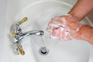 Mycie rąk pomaga pogodzić się z porażką [© steheap - Fotolia.com]