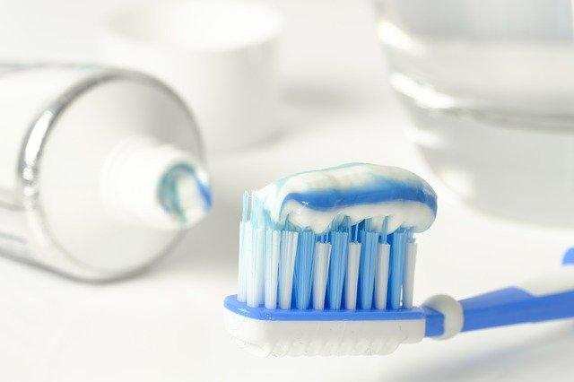 Mycie zębów jest konieczne bo... chroni serce [fot. Bruno /Germany from Pixabay]