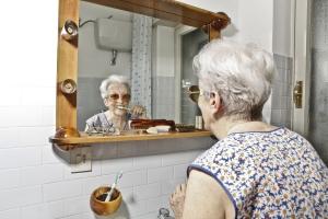 Myjesz zęby? Zakręcaj kran [Fot. Tommaso Lizzul - Fotolia.com]