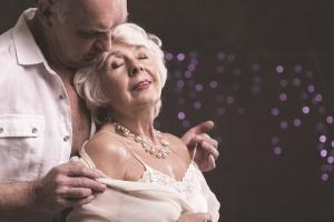 Na dobry seks trzeba poczekać - dojrzałe kobiety czerpią z niego więcej satysfakcji [Fot. Photographee.eu - Fotolia.com]