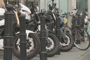 Na motocykl z prawem jazdy kategorii B [fot. Motocykle. InfoWire.pl]
