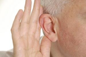Na problemy ze słuchem nie szuka się pomocy [© dalaprod - Fotolia.com]