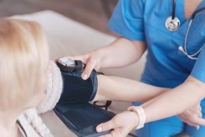 Nadciśnienie w dojrzałym wieku to wyższe ryzyko demencji [Fot. zinkevych - Fotolia.com]