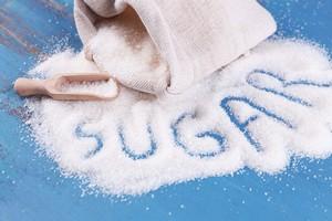 Nadmiar cukru szkodzi, a łatwo się od niego uzależnić [© Africa Studio - Fotolia.com]